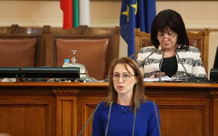 Ася Пеева: Бюджет 2020 продължава и надгражда политиките на правителството в сферата на образованието
