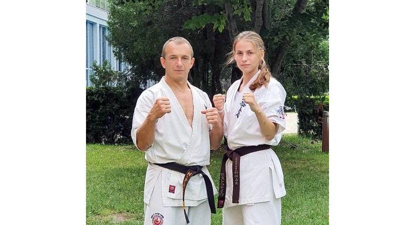 Сияна Стратиева защити първия черен колан за Приморско