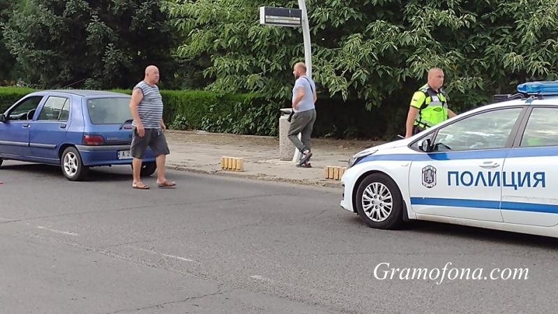 """Автомобил блъсна две 11-годишни момичета на пешеходна пътека в """"Изгрев"""""""
