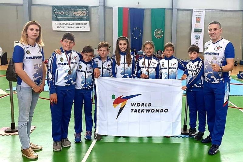 Бургазлии станаха шампиони по таекуондо