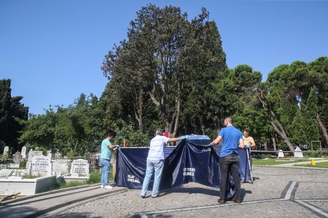 До края на деня отварят гроба на Наим Сюлейманоглу