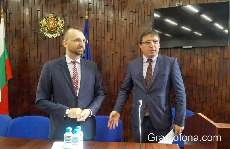 Кметът с най-висок резултат на изборите в Бургаско се закле в Руен