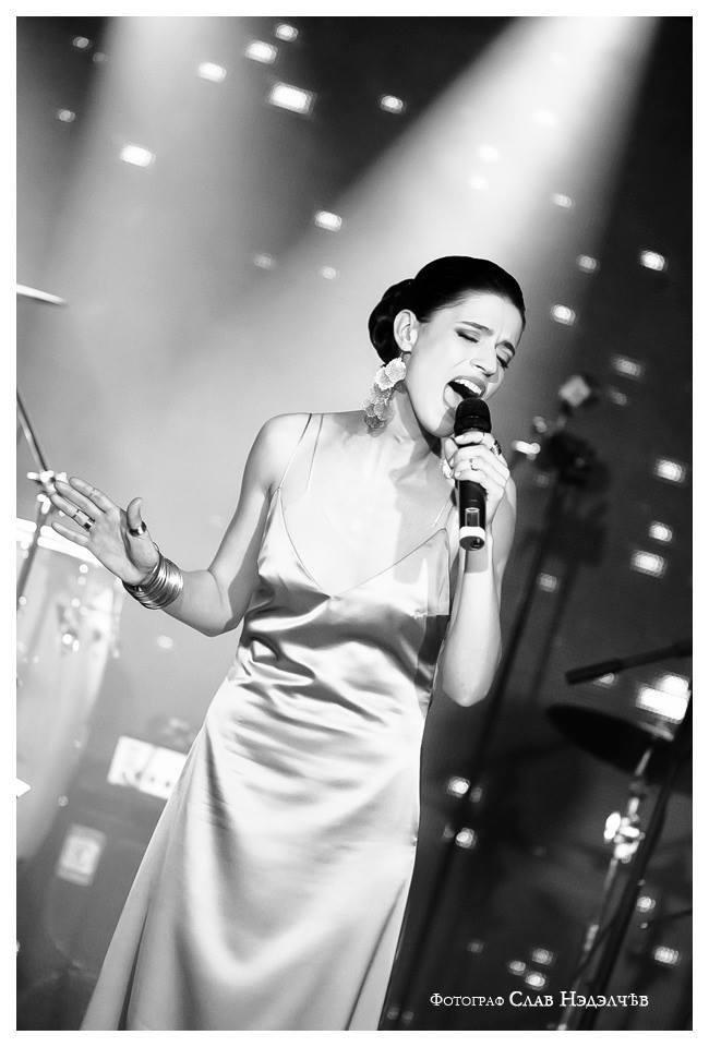 Великолепната Елена Сиракова ще направи музиката част от Grand Wedding Expo