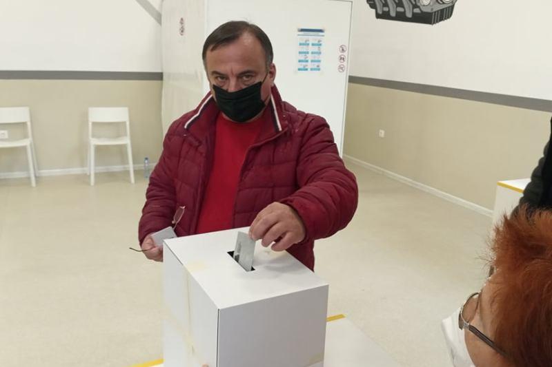 Световният шампион Коджабашев: Гласувах за нормален живот в работеща държава
