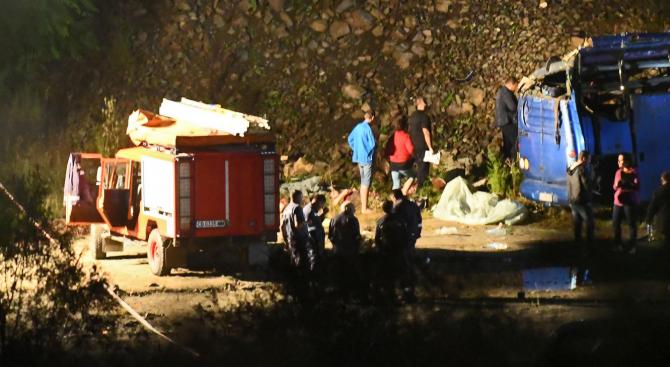 13-годишно дете е сред жертвите на преобърналия се автобус
