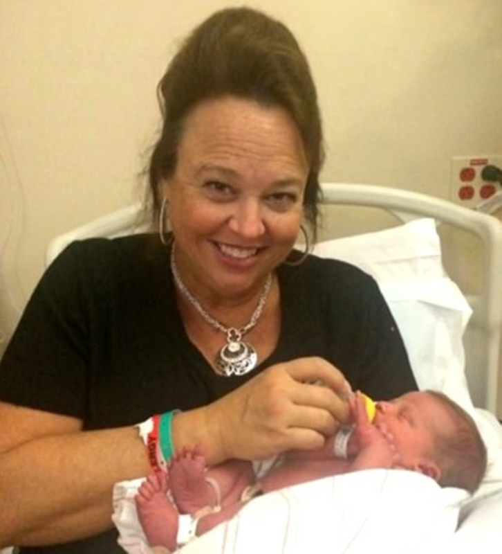 Жена роди собствения си внук
