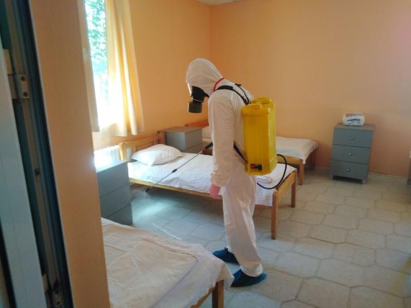 Заразените с COVID-19 в дома в Славянци са изолирани на отделен етаж
