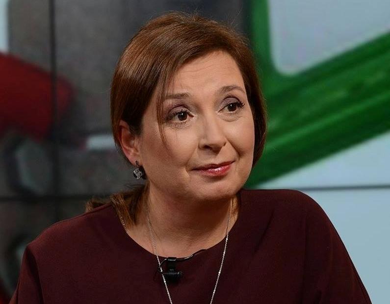 Зам.-министър Зорница Русинова отново с приемна в Бургас