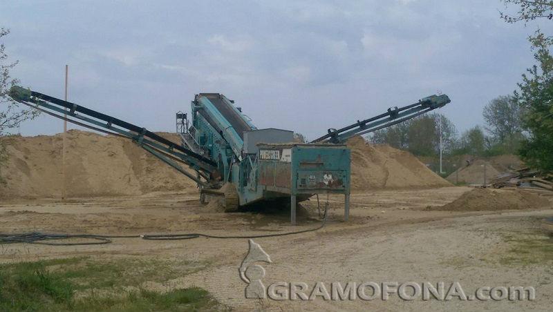Смесват тонове пясък с глина за Пясъчния фестивал