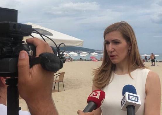 Ясно да се каже що е то достъпен плаж, поиска министър Ангелкова