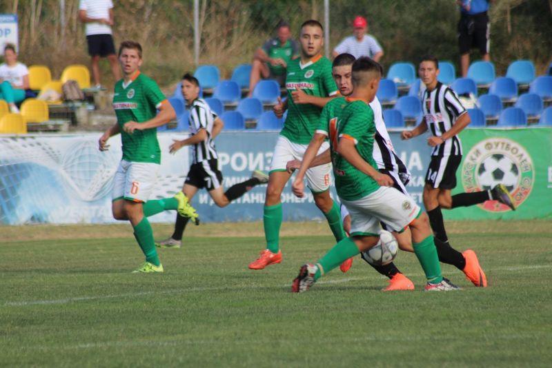Нефтохимик U-19 загуби с 1:3 от Локомотив Пловдив
