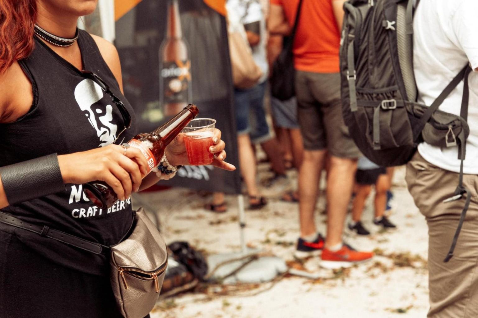 Рок музика, вкусна храна и бира очакват посетителите на бирения фест в Бургас
