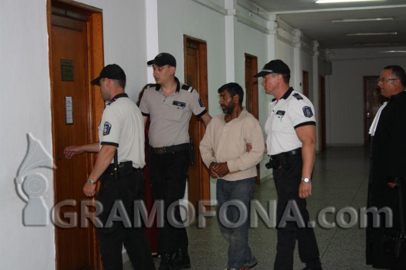 8 години затвор за Димитър Колев, който закла жена си