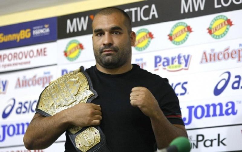 Багата може да се бие в UFC