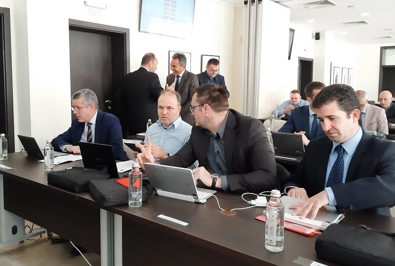 Освобождаване от патентен данък и мораториум върху наказателните лихви за местните данъци и такси предлагат от БСП-Бургас