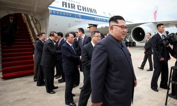 Ким Чен Ун пристигна в Сингапур за срещата с Тръмп