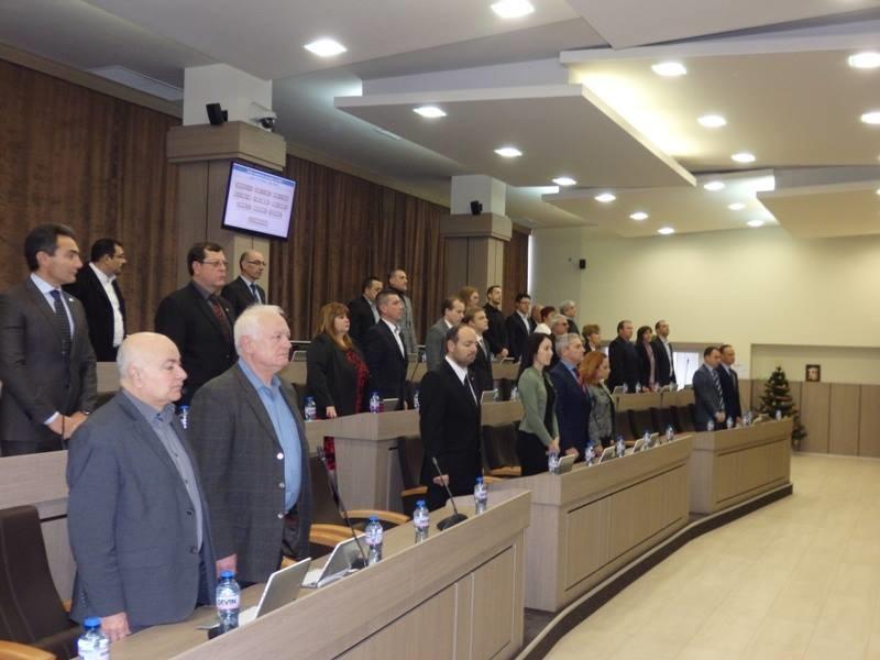 Общинските съветници почетоха жертвите от Хитрино и Манук Манукян