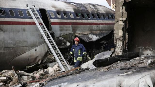 """""""Боинг"""" 707 на иранската армия се разби край Техеран"""