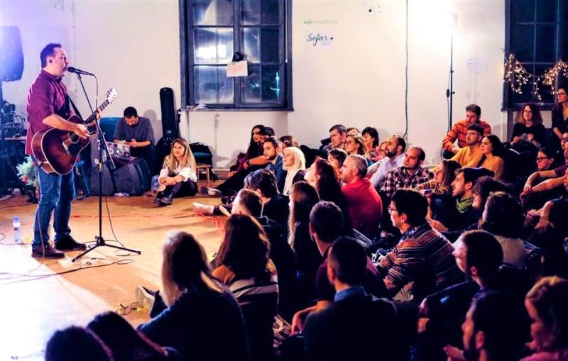 Sofar Sounds Sofia излиза от столицата за първи път с концерт в Бургас