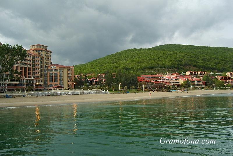 "Министерството на туризма търси стопанин на плаж ""Елените 1"""