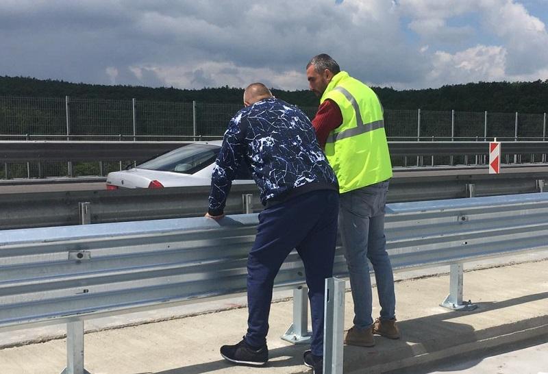"""Борисов инспектира виадукт на магистрала """"Тракия"""" на път за Бургас"""