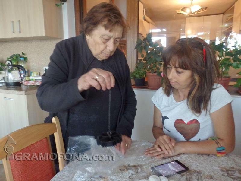 Само в Gramofona.com: От кухнята на Дафинка в Созопол - как се правят вкусни дамги