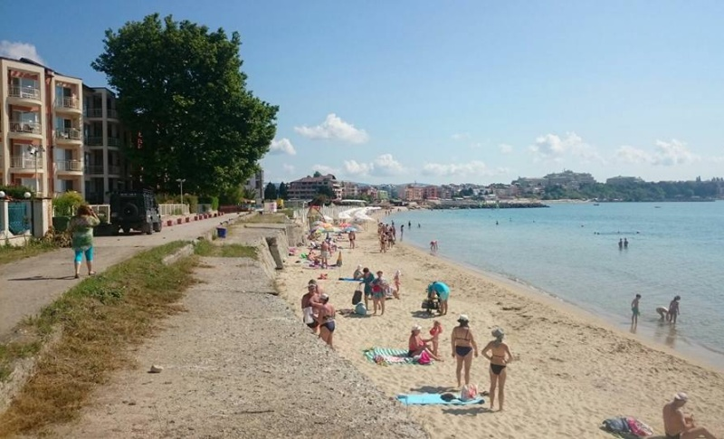 Софийска фирма ще стопанисва плаж в Равда за 20 години