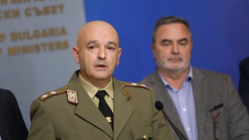 Ген. Мутафчийски: Само в България има спор коя ваксина е по-добра