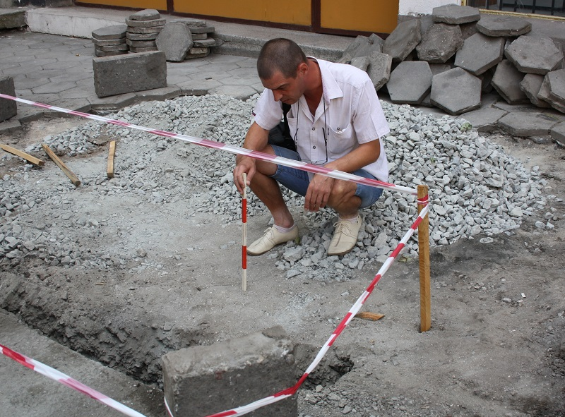 Пропаднала улица в Бургас разкри арка от преди век