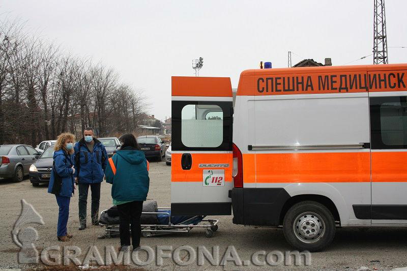 Поморийка измръзна до смърт в Ботевград, дъщерите й са в болница