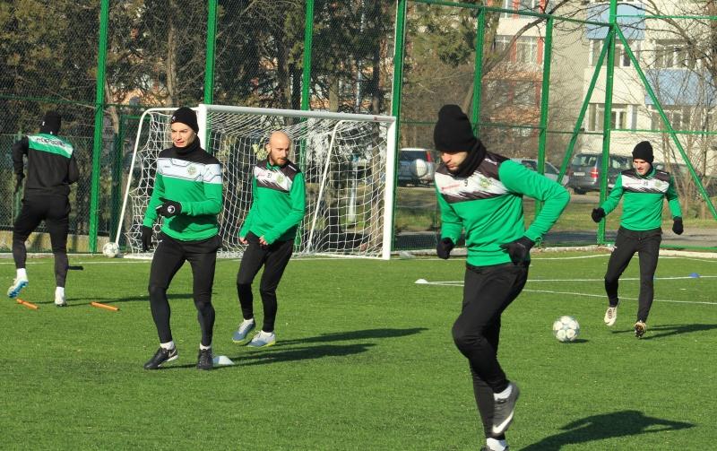 Футболът в България спира до 13 април
