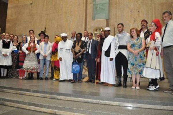 Участниците в МФФ с почетни грамоти