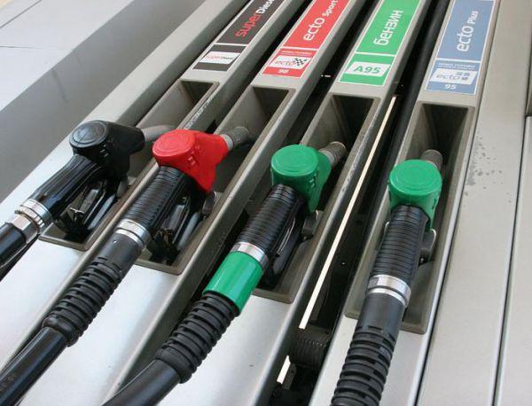 Божидар Лукарски: Скъп бензин през лятото? Няма логика