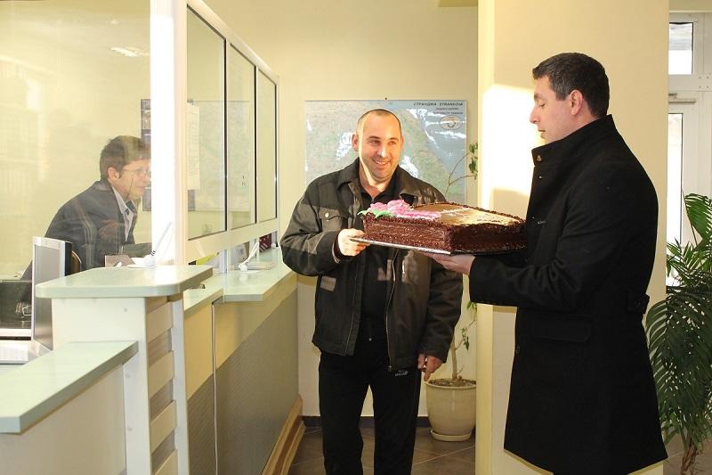 Подаръци за примерните данъкоплатци в Царево