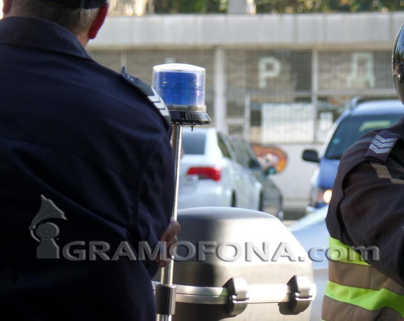Престъпник опита да сгази патрулка в Меден рудник