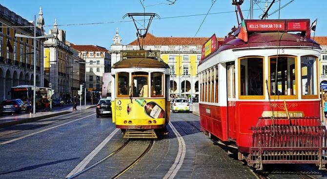 30 леко ранени при дерайлиране на трамвай в Лисабон