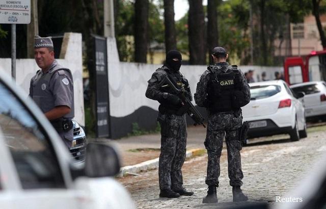 Тийнейджъри откриха стрелба в бразилско училище, жертвите са 9