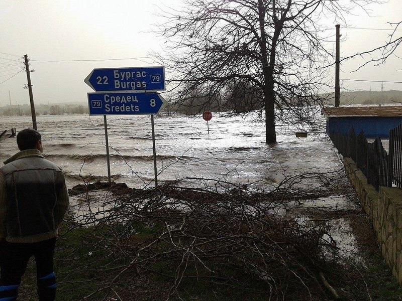 Информационна система ще предупреждава жителите на Бургас за опасност от наводнения
