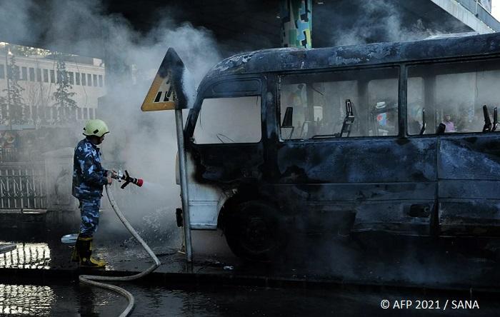 14 загинаха при взрив на военен автобус в Сирия