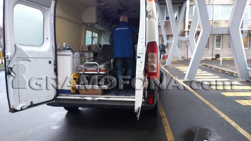 Екип от Пирогов пристига за 3-годишното дете, което падна от 4-ия етаж