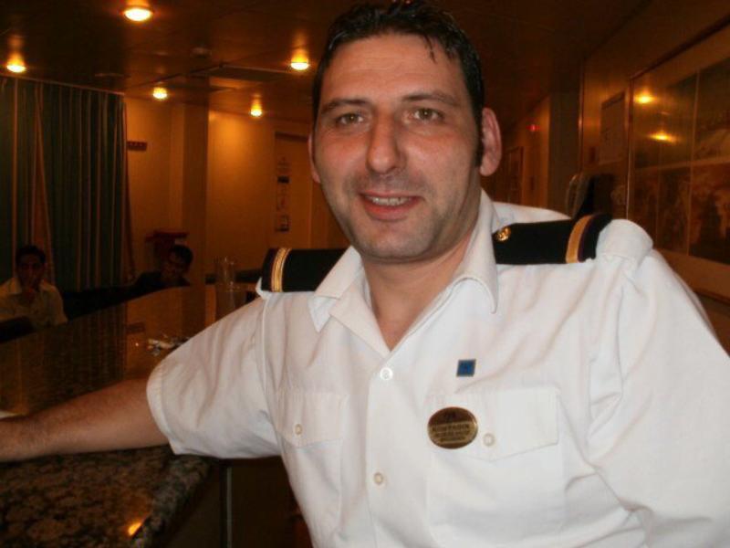 Костадин Кралев – бургазлията, който живее по света