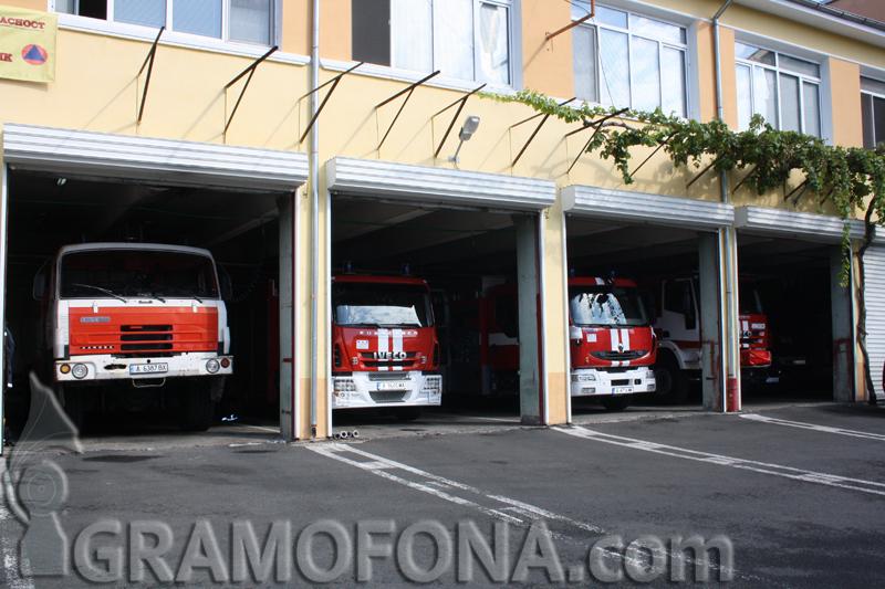 Пожарни хвърчат към МЕТРО, учение е