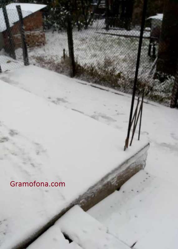 12 снегорина в Руен в пълна готовност, сняг има в Билка, Добра поляна, Ясеново