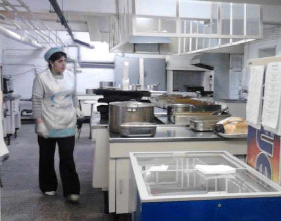 Смути от плодове и заешко за обяд в 8 бургаски училища