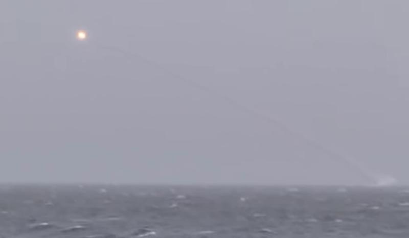 Русия стреля с крилати ракети в Черно море (видео)
