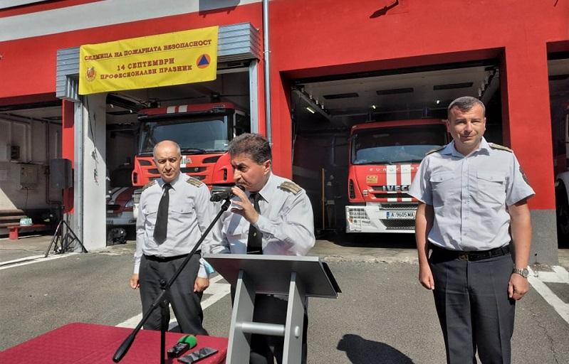Комисар Василев: Двама пожарникари на дежурство няма как да реагират адекватно