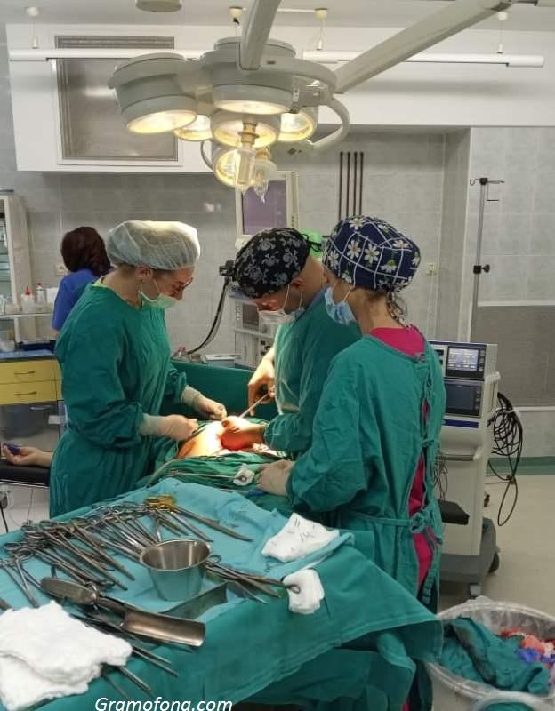 Героите на КОЦ- Бургас, спасили жена при 6-часова тежка операция