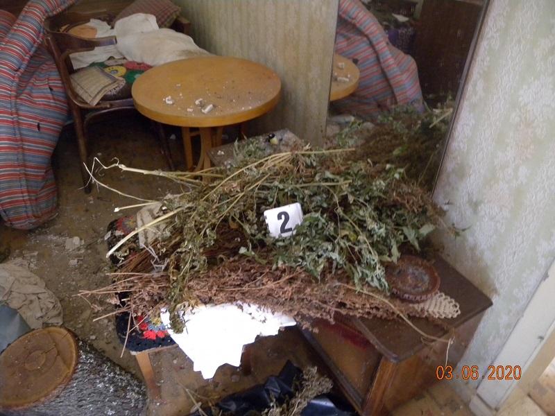 60-годишен от Грозден складирал почти 5 кг. канабис в дома си