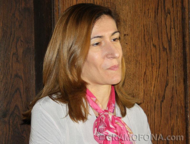 Министър Ангелкова: Предстоят сериозни съкращения в туризма