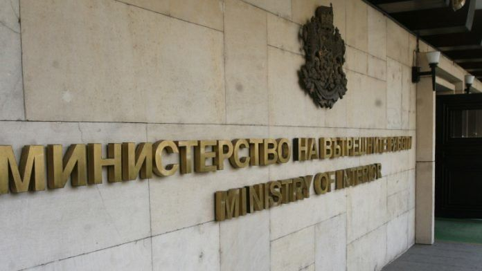 Правителството подготвя радикално преформатиране на МВР